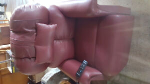 Power lift chair for Seniors -attractive leather like new