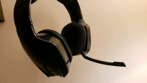 ***5.1 Razer Chimarea Wireless Gaming headset***
