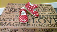Adorable girl size 4 squeaker shoes