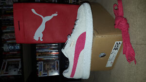 Womens PUMAS SUED shoes size 9