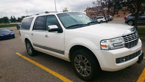 2010 Lincoln Navigator L Ultimate 4X4 - 7 seat - Fully Loaded