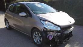Peugeot 208 1.0 VTi ( 68bhp ) 2014 Active DAMAGED SPARES OR REPAIR SALVAGE