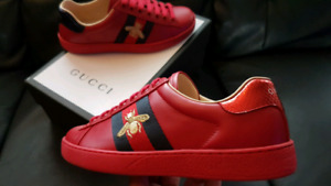 GUCCI ACE RED BEE SIZE 7 AND 8 LOWTOP SNEAKER BRAND NEW IN BOX