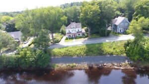 Character, charm & views of Lahave River - Bridgewater