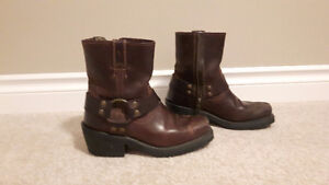 Harley Davidson brown boots size 5
