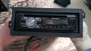 Pioneer Car Stereo with accessories