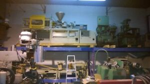 60 ton Toshiba Injection Machine new for parts.