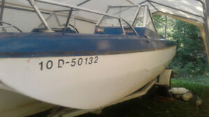 18 foot  boat/ trailer and outboard motor for sale (project boat