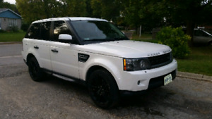 2011 Land Rover Range Rover HSE Luxury Entertainment Package  1