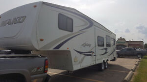 Waco 33ft fifth wheel