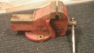 MADE IN ENGLAND NO. 2 VISE