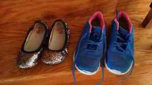 Girls youth shoes sz 5