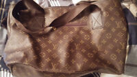 Louis Vuttion Purse