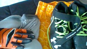 chaussures Under Armour, gaine, gants