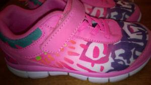2 paires de souliers enfant