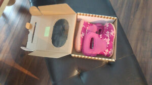 Toddler girls size 8 bogs