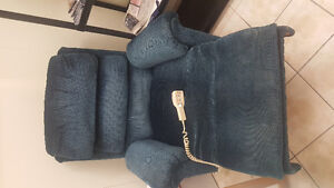 Recliner/lift chair in great shape!