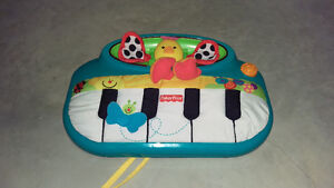 Fisher Price Peek-A-Boo Crib Piano