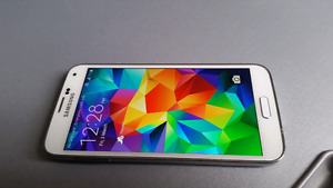 White Unlocked Samsung Galaxy S5