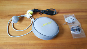 Bose Soundsports bluetooth headphones