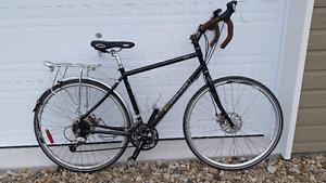 Vélo cyclo touring Louis Garneau Sedna 2012