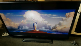 Digihome 32inch led television No remote But button on the side Fully