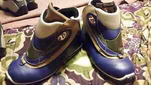 Like New SNS Profil Sz 6.5 Ladies Cross Country Nordic Ski Boots