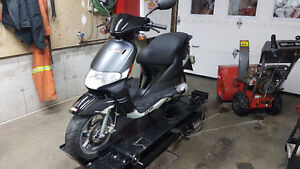 2009 derbi bullet scooter