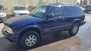 2005 GMC Jimmy 2-dr SLS base