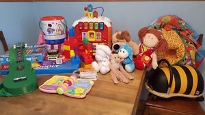 Lot: Toys and games for 0-10 years - $50