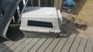 Dog kennel/travel carrier
