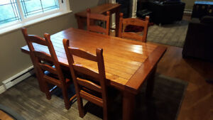 Dining room table, 10 matching chairs and matching side table