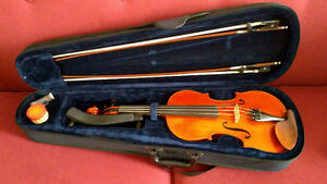 Full size violin with 1 bow, Optional second bow