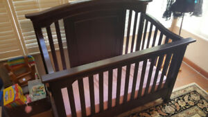 Baby Crib - Almost New