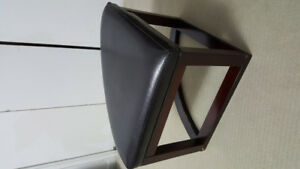 3 coffe table stools