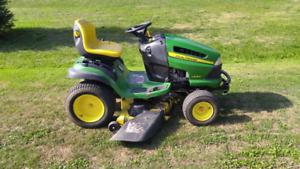 Lawn Tractor John deer la 140