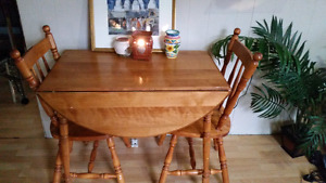 Beautiful drop leaf  maple table x2 chairs need gone asap