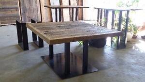 LA GRANGERIE ( PIED D'ACIER POUR TABLE EN BOIS DE GRANGE )