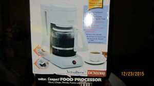 BLACK AND DECKER COFFEMAKER 12 CUP WHITE London Ontario image 1