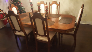 Beautiful solid wood dining  table set.  $750 or best offer
