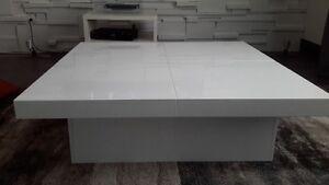 Table basse avec coffre, laqué blanc