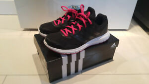 Brand new in box Women Adidas Duramo 7 size US8