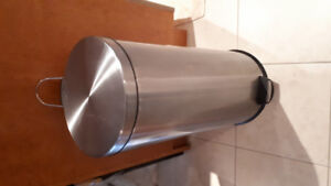 Pedal bin waste container stainless steel