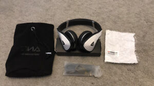 MONSTER DNA NOICE CANCELLATION WHITE HEADPHONE