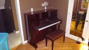 Samick SU-121 Upright Piano in Excellent Condition & Tuned Kitchener / Waterloo Kitchener Area image 1