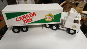 Ertl Canada Dry toy truck and trailer