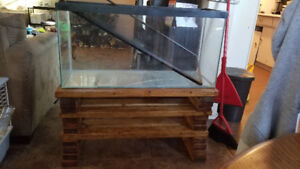 Reptile enclosure/Fish tank with stand