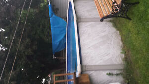 20 ' Above Ground Pool with Solar Panels, all Maintenance Tools