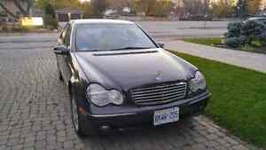 2002 Mercedes-Benz C-Class Sedan Windsor Region Ontario image 1