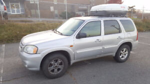 2005 Mazda Tribute SUV (Roofbox included)